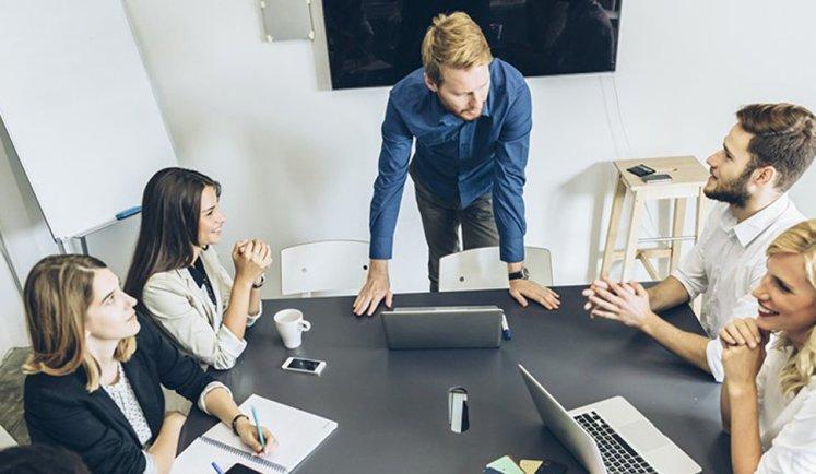 relação entre liderança e motivação dos colaboradores