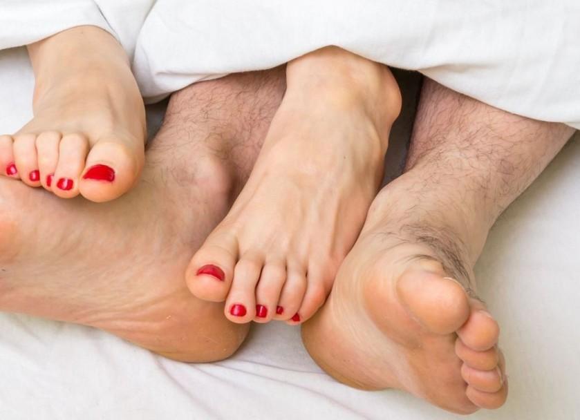 Quem faz sexo a noite acorda bem disposto para trabalhar no dia seguinte